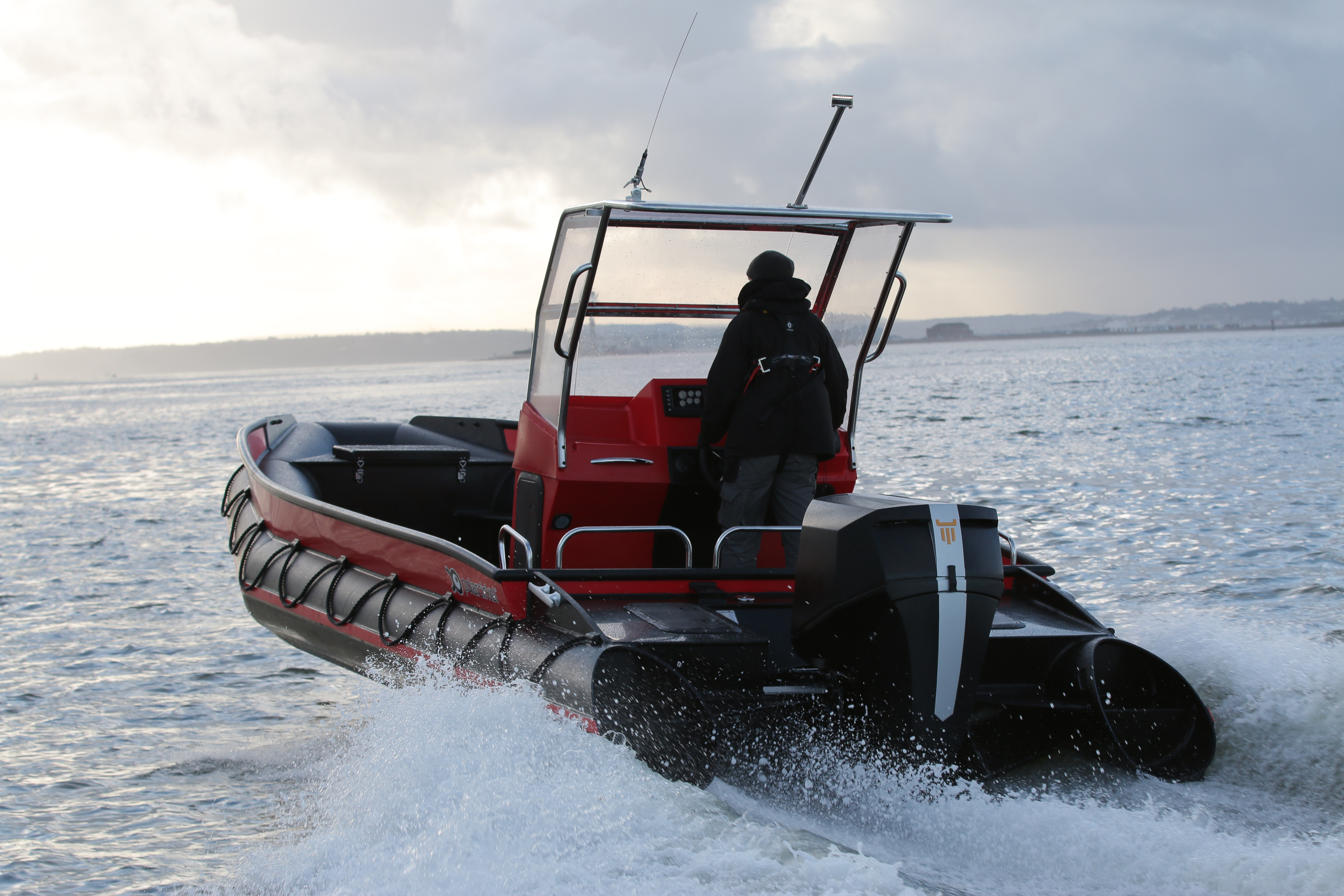 Diesel Outboard Motor : First oxe diesel outboard enters service with marine